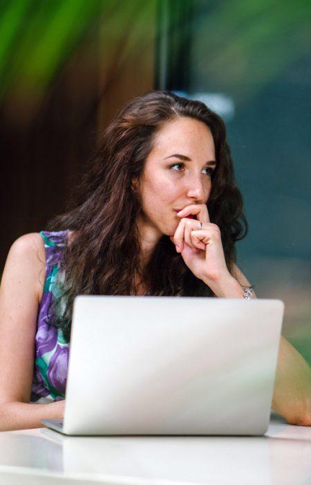 photography-of-woman-using-laptop-1250030.jpg